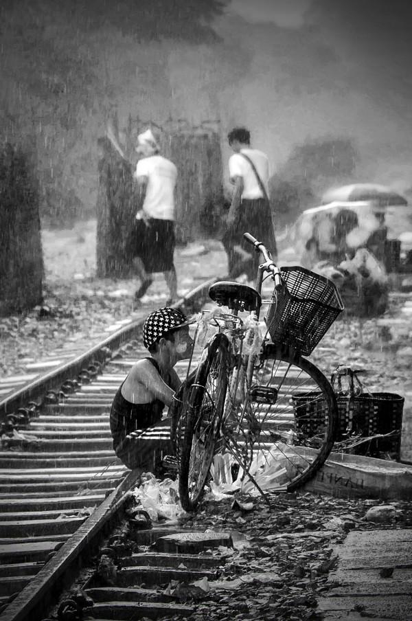 Sous la pluie - Gabriel Irailles