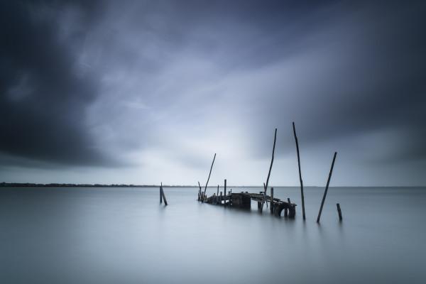 Forgotten pier - Mathieu Calvet