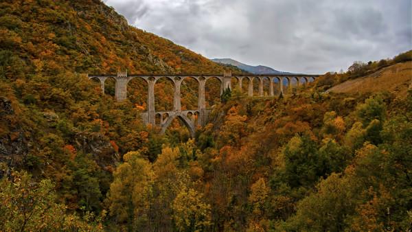 Le Viaduc en Automne - Georges Frances